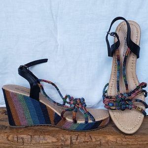Vintage style platform strap sandals